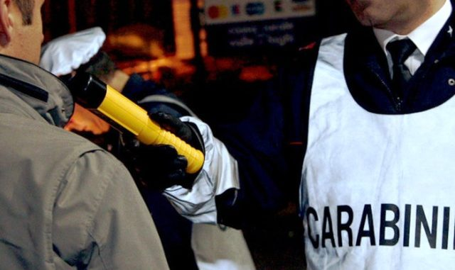 etilometro alcol test carabinieri busto