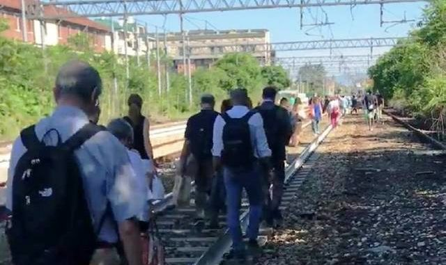 rabbia pendolari treni