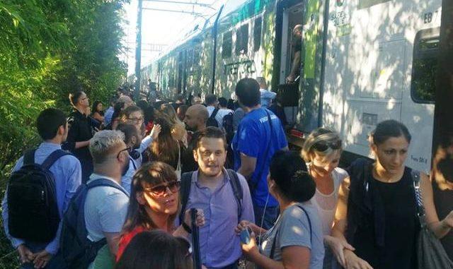 treno bloccato legnano