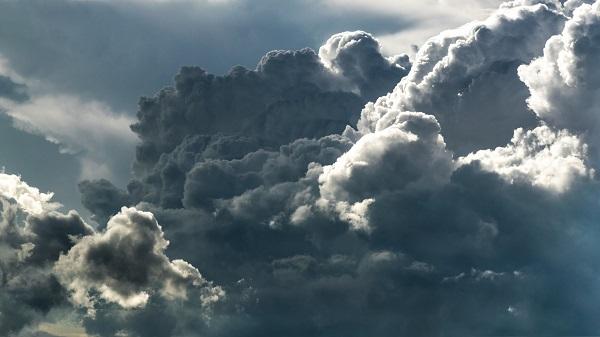 temporali rovesci nuvoloso