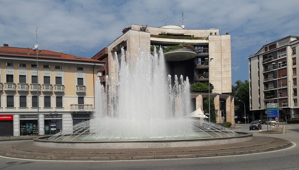 fontana piazza gallarate