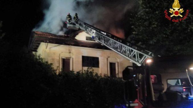 busto bruciata casa
