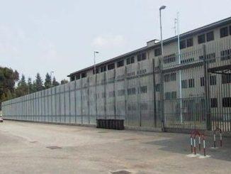 rivolta carcere busto garante