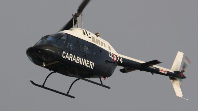 elicottero varese arresti giro droga