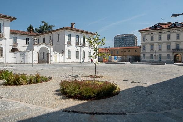 piazza inaugurazione busto