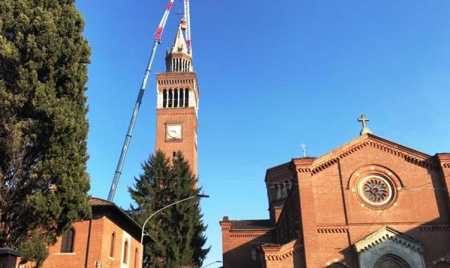 castellanza campanile crocifisso