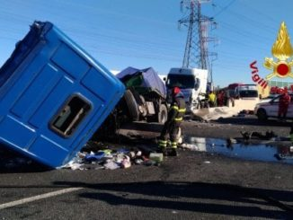 milano A8 incidente