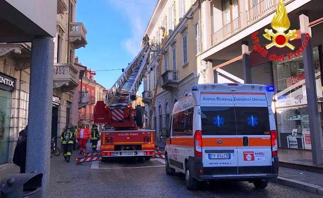 Incendio centro gallarate