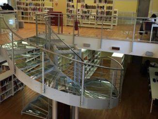 biblioteca sala monaco busto