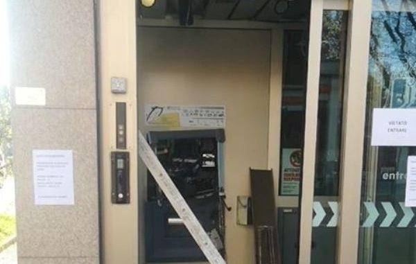 gallarate bancomat esploso ladri