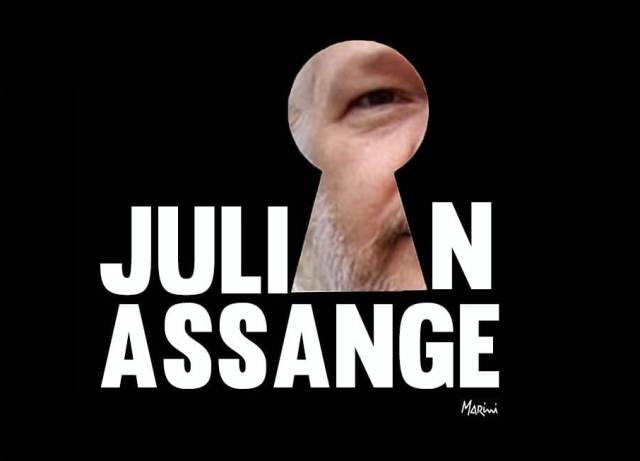 JULIAN ASSANGE marini