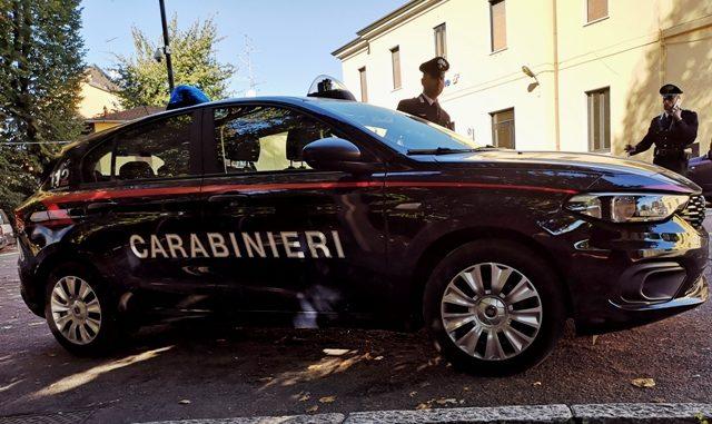 carabinieri Lite famiglia somma arrestato
