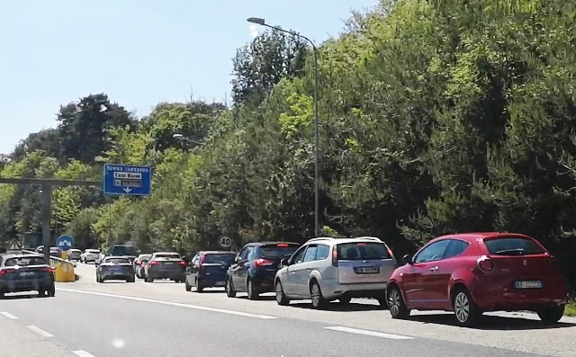 Via giusti traffico somma