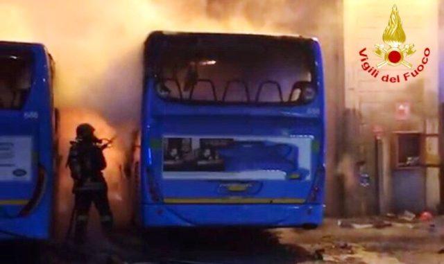 gallarate incendio autobus stie