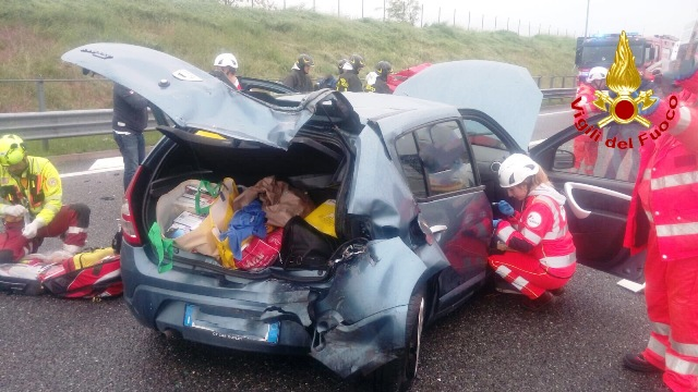 incidente a9 feriti elisoccorso