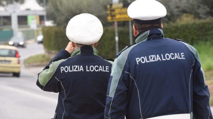 vanzaghello aggressione polizia locale