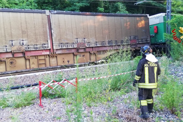 castelveccana treno