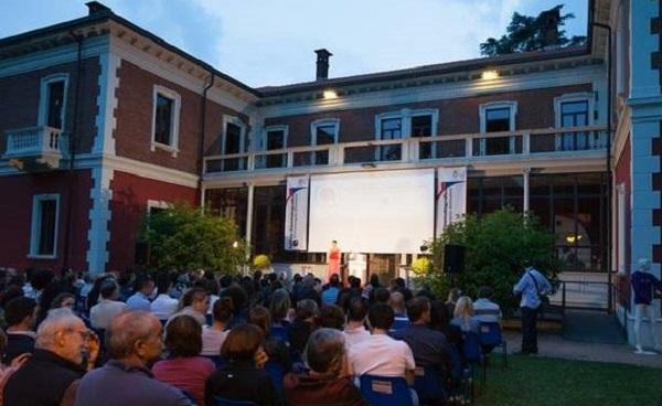 cinema stelle villa calcaterra