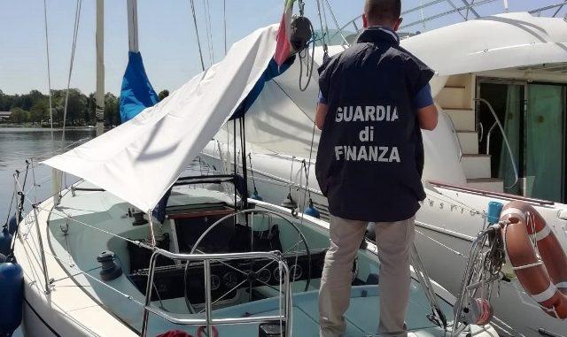 Barca vela truffa datore
