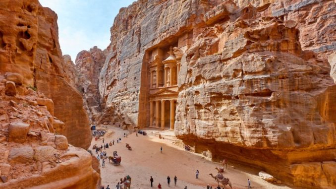 petra malpensa easyjet giordania