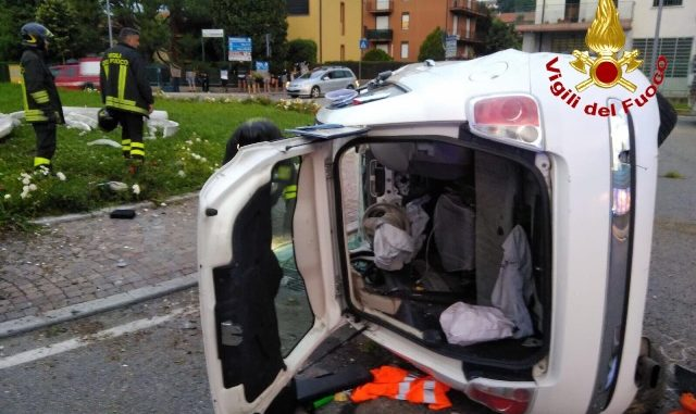 Incidente rotonda cavaria grave