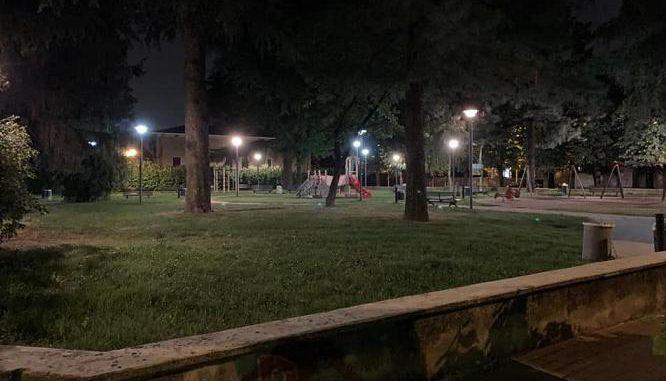 rescaldina giardini pubblici lampioni