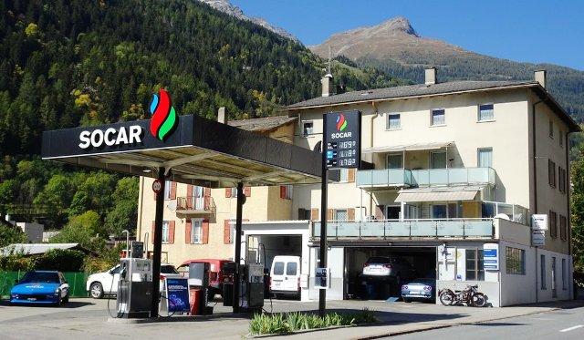 fare benzina svizzera conveniente