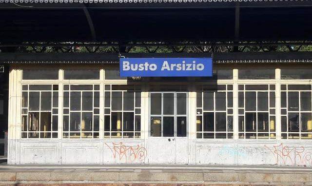 busto stazione raid vandalico