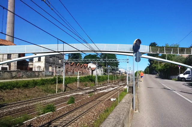 Siamo Somma sovrappasso ferroviario