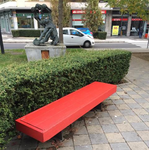 Somma panchina rossa violenza donne