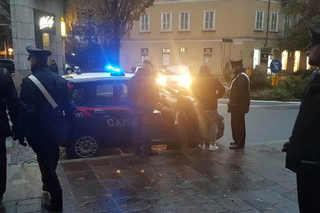 carabinieri piazza garibaldi droga