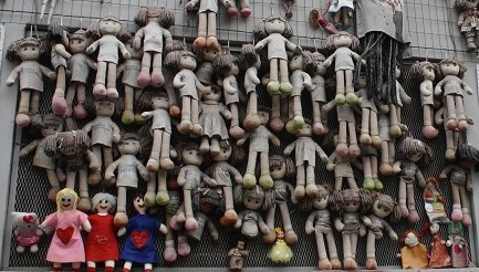 wall of dolls milano