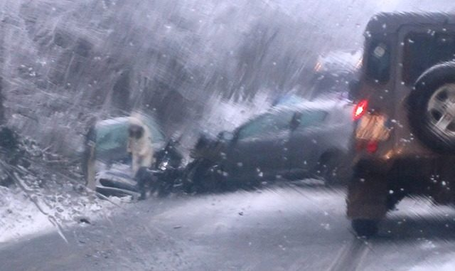 Incidente neve jerago feriti
