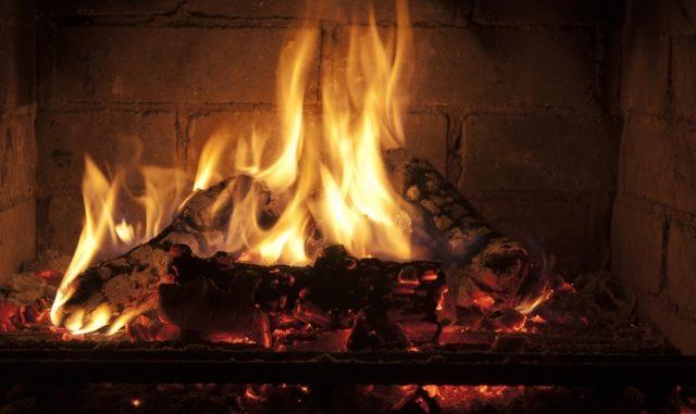 cassano incontro bruciare legna