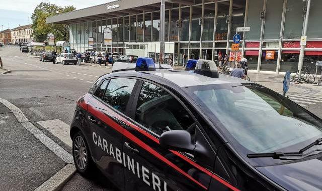 gallarate spaccio stazione carabinieri