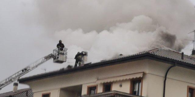 gorla incendio plazzina evacuata