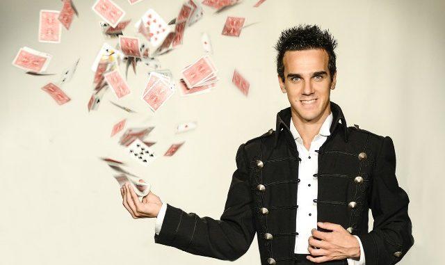 Gallarate illusionista Luca Bono