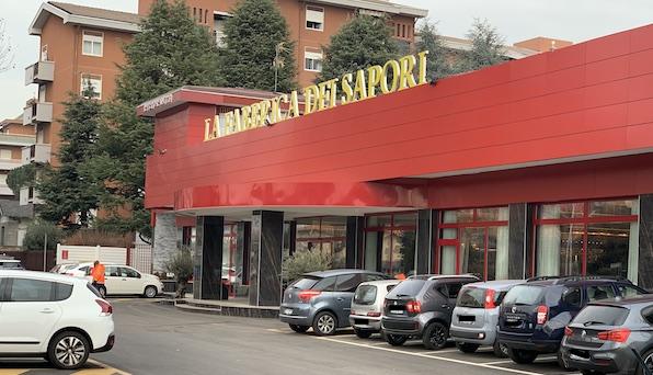 castellanza fabbrica sapori parcheggi protesta sindaco