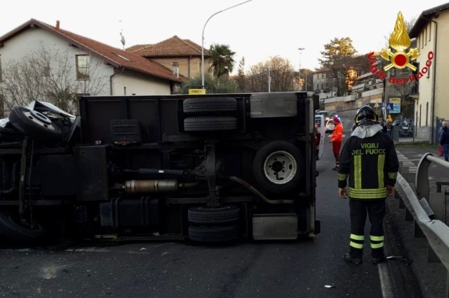 varese incidente viale valganna