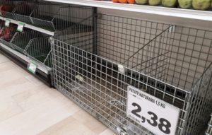coronavirus panico supermercati assalto