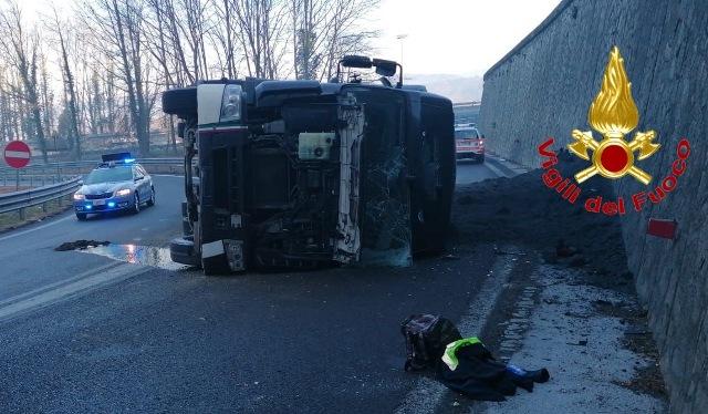 Incidente autostrada a8dir ribaltamento