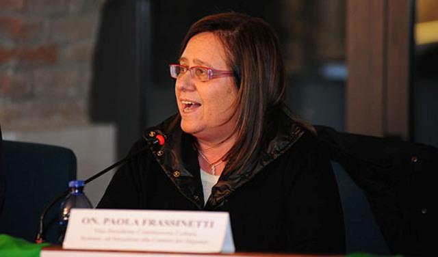 Paola Frassinetti defibrillatori aeroporto