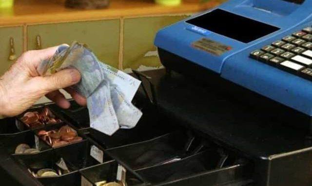 vergiate barista infedele rubava