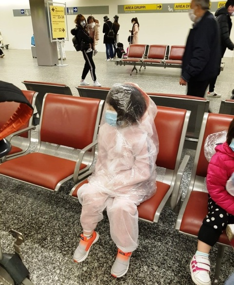 Coronavirus Malpensa bambini insacchettati