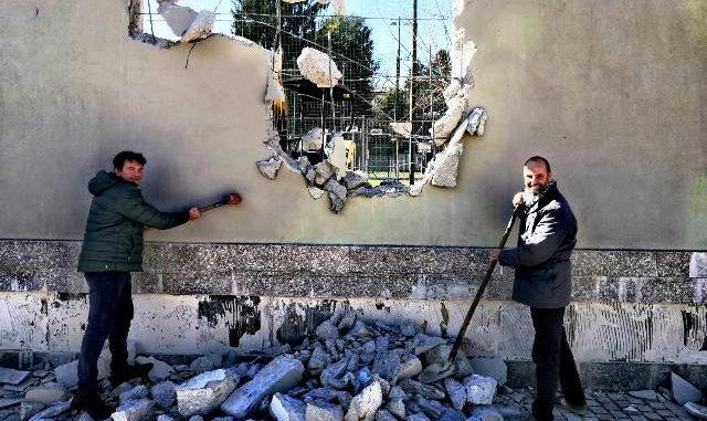albizzate muro nuova piazza