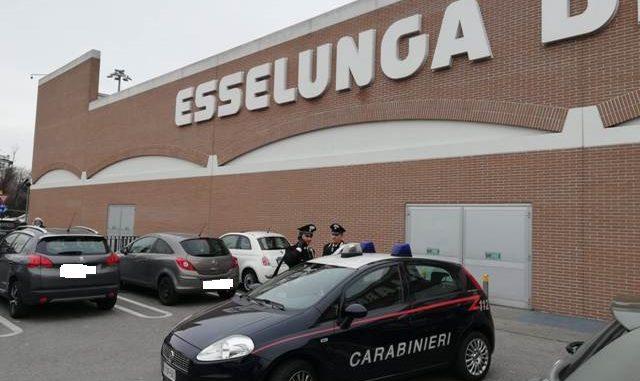 gallarate furto esselunga carabinieri