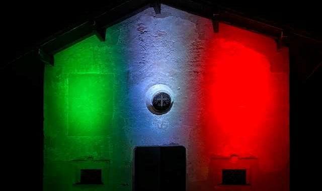 Sesto Calende illuminazione tricolore