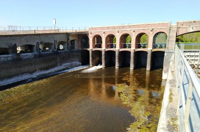 Acqua Canale Villoresi Folli