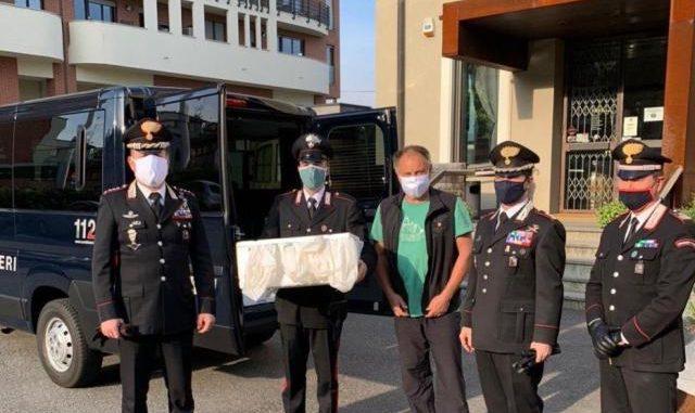 varese busto carabinieri esselunga