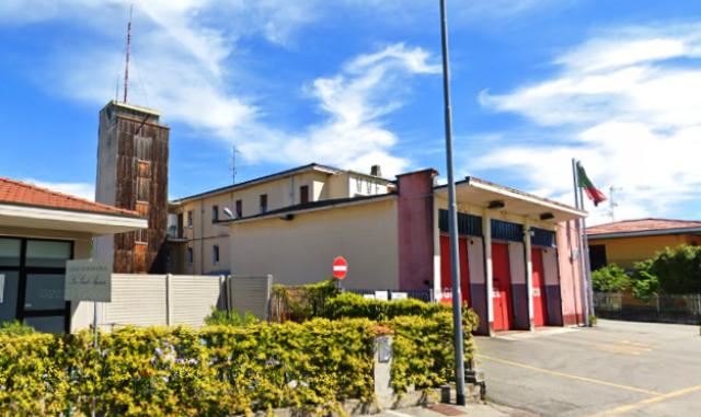 SOMMA LOMBARDO - Centodiecimila euro per riqualificare il distaccamento dei vigili del Fuoco di via Albania, presidio fondamentale di sicurezza per la città di Somma Lombardo. Nel progetto da 110mila euro, approvato dalla giunta di Stefano Bellaria, c'è anche la rinascita della vecchia torre di addestramento.